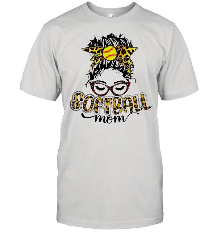 Ladie Softball Mom Leopard  Classic Men's T-shirt