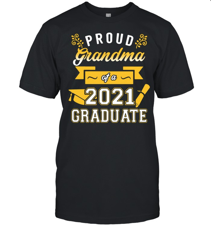 Proud Grandma Of A 2021 Graduates shirt Classic Men's T-shirt