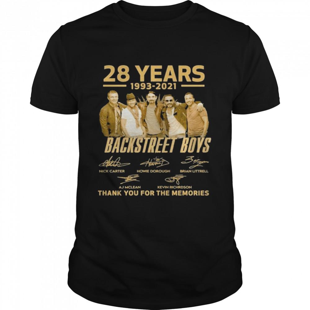 28 years 1993 2021 Backstreet Boys signatures thank you for the memories shirt Classic Men's T-shirt